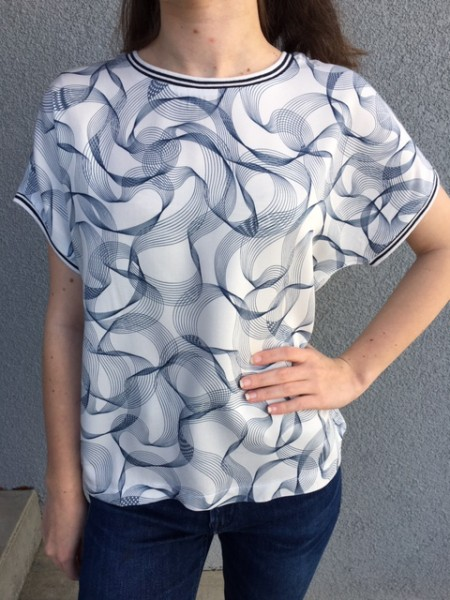 T-Shirt Bluse Abstract White